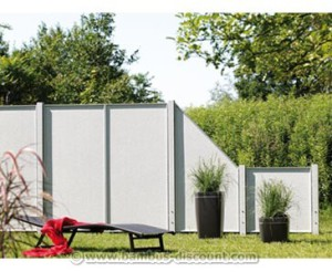 Sichtschutzzaun im Stein Design