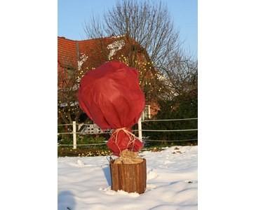 Rosen Winterschnutz, aus rot farbigen Vlies, Höhe 150cm x Länge 500cm