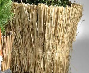 Jetzt bei bambus-discount.com - Winterschutzmatte Stroh günstig online bestellen
