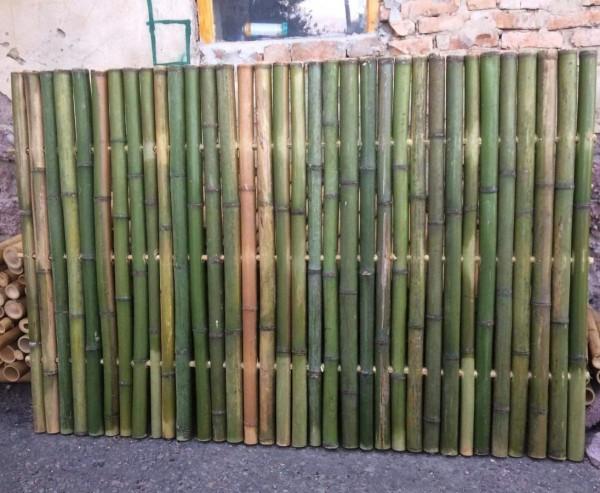 Bambuszaun naturgrün 90x180cm starr mittels Holz verbunden mit 4- 5cm als B-Ware